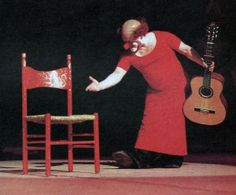 Charlie Rivel, 1967, performing his act http://famousclowns.org/famous-clowns/charlie-rivel/
