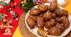 Cannariculi (o cannaricoli), ricetta natalizia dolce tipica della tradizione culinaria Calabrese. Ricetta con foto passo-passo e valori nutrizionali.