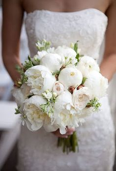 Bouquet peonie bianche e verde