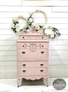 Shabby Chic home decor tips number 3059746761 to plan with for one really smashing, stunning decor. Simply stop by the easy shabby chic decor fun link right now for extra styling. Repurposed Furniture, Shabby Chic Furniture, Rustic Furniture, Vintage Furniture, Cool Furniture, Painted Furniture, Furniture Ideas, Furniture Stores, Bedroom Furniture