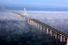 ►El puente más largo del mundo está en Qingdao, China.