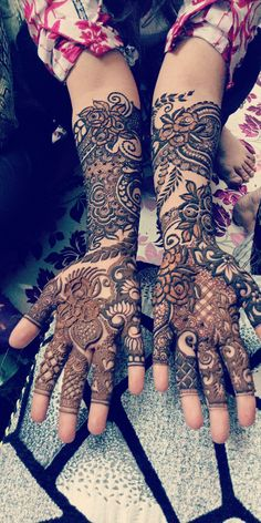 The most searched topic by girls now days on internet is Chand Raat Mehndi Designs 2018 for Girls. This is serious topic for girls and we know its importance well therefore in this article we going… Mehandi Designs Arabic, Pakistani Henna Designs, Modern Henna Designs, Khafif Mehndi Design, Rose Mehndi Designs, Latest Bridal Mehndi Designs, Full Hand Mehndi Designs, Henna Art Designs, Mehndi Design Pictures