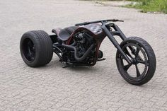 Mean looking trike! - repined by http://www.vikingbags.com/