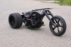Mean looking trike!