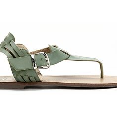 Yoins Green Retro Leather Look Buckle Flat Thong Sandals (€26) ❤ liked on Polyvore featuring shoes, sandals, black, black thong sandals, flat sandals, green flat sandals, green shoes and toe thongs