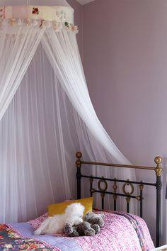 Støvete Lavendel FR1302. Prinsesserom kan vare over tid med små endringer av møbler og tekstiler. Det typiske rosa rommet er sjeldent feil. #barnerom#lilla#Prinsesserom#interiør#Himmelseng#Fargerike#purple#bedroom#inspiration#maling#innredning#inspirasjon Work Surface, Modern Kitchen Design, Toddler Bed, Ikea, Room, Furniture, Children, Diy, Home Decor