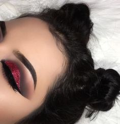 15 Make-ups, die Sie zum Valentinstag probieren sollten - Makeup - Make-up Cute Makeup, Gorgeous Makeup, Pretty Makeup, Elf Makeup, Devil Makeup, Makeup List, Awesome Makeup, Makeup On Fleek, Flawless Makeup