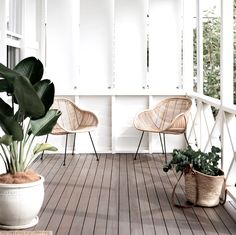 Modern design and decor inspiration for home outdoor spaces, patios, and backyards. Front Porch Design, Deck Design, House Design, Porches, Outdoor Spaces, Outdoor Living, Outdoor Seating, Veranda Design, Pergola Plans