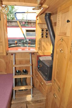 It would be a shame to cover this beautiful oak Canal Barge, Canal Boat, Shed Conversion Ideas, Narrowboat Interiors, Boating Holidays, Land Rover Defender, Water Crafts, Sailing, Cabin