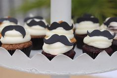Mini-Cupcakes with mustache fondant toppers. Mustache Cupcakes, Moustache Party, Cupcakes For Men, Mini Cupcakes, Mustache Birthday, Little Man Party, Little Man Birthday, First Birthday Parties, First Birthdays