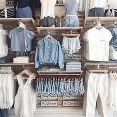 Brandy Melville💙 discovered by Emma on We Heart It Clothing Boutique Interior, Boutique Decor, Baby Boutique, Clothing Store Displays, Clothing Store Design, Brandy Melville Outfits, Tumblr Outfits, Look Cool, Fashion Outfits