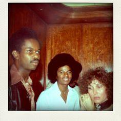 Photos Of Michael Jackson, Michael Jackson Rare, Michael Love, Jackson Life, Jackson 5, 90s Hip Hop, Hip Hop And R&b, Apple Head, King Of Music