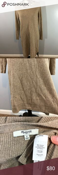 Madewell Side Slit Sweater Dress Size Small In nice gently used condition comes from a smoke free home home  Accepting reasonable offers ✨ Madewell Sweaters