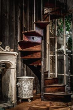 Antique spiral staircase, Gilardi, Lyon, France, early 20th century, oak and cast-iron, vintage, fire place, Jardiniere Paris & Cie, old barnwood