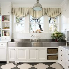 Kraftmaid Shaker Cabinets White Design, Pictures, Remodel, Decor and Ideas - page 2