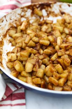 Homemade Stovetop Apple Pie Filling is quick and easy. You can add your favorite seasons like cinnamon, nutmeg, maple syrup and more. Making Apple Pie, Homemade Apple Pie Filling, Best Apple Pie, Homemade Pie, Apple Pie Ice Cream, Apple Cranberry Pie, Apple Pie Oatmeal, Caramel Apple Cookies, Caramel Apple Cheesecake
