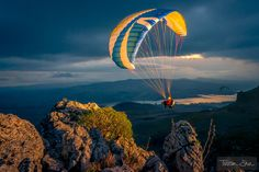 Sunset Soaring with Benni Boelli by Tristan Shu on 500px
