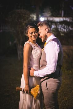 Casamento surpresa da Luiz e Tamires. www.casandosemgrana.com.br #casamento #casamentoaoarlivre #casamentonatureza #casamentointimo #miniwedding #casamentosimples #casamentoboho #casamentoDIY #DIY #SP #noiva #noivos #vestidodenoiva #noivosreais #noivado #festa #cerimônia #buquê #casal #amor #wedding #weddingboho #branco #love #noivasp #noivossp #decoraçãodecasamento