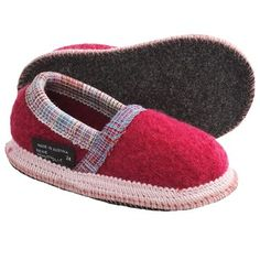 Wesenjak Slipper Moccasins - Boiled Wool (For Kids and Infants) in Raspberry ~ Great Indoor Waldorf Classroom slippers, great reviews from parents and grandparents!