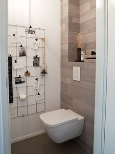 15 great ideas for your new toilet! View the ideas - Banheiro - Toilet Small Toilet, New Toilet, Bathroom Red, Small Bathroom, Nautisches Bad, Wc Tabs, Bathroom Interior Design, Inspired Homes, Bathroom Renovations