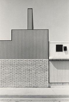 bildwerk:  Grant Mudford Los Angeles (US 257/10a)negative, 1976; print, 1980 Gelatin silver print 19 ¼ x 13 1/8 in