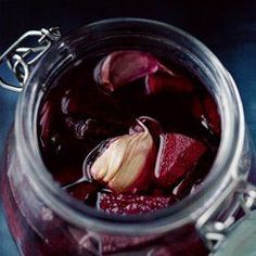 Kiszone buraki - Przepis--I add a few tablespoons of vinegar to this also Sauerkraut, Canning Recipes, Soup Recipes, Paleo Autoinmune, Beet Soup, Pickled Beets, Good Food, Yummy Food, Polish Recipes