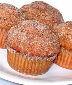 Cinnamon sugar doughnut muffins- will definitely be making these to try for breakfast soon.