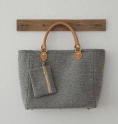 Felt Bag/  Laptop Bag/ Wool  bag/ Toto Bag/ Wool von burlapdesign