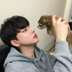 Should I get a puppy? Korean Boys Ulzzang, Cute Korean Boys, Korean Babies, Korean Men, Ulzzang Girl, Korean Girl, Cute Asian Guys, Asian Boys, Asian Men