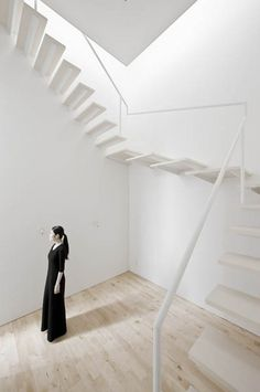 #Architecture - light and airy cantilevered #stairs no kids allowed