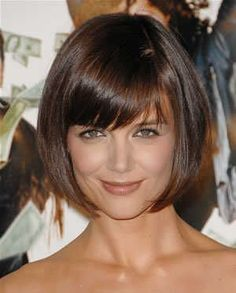 Hairstyles with bangs 25 Short Bob Hairstyles with Bangs Katie Holmes Hair Short Haircuts With Bangs, Bob Haircut With Bangs, Short Bob Hairstyles, Short Hair Cuts, Cool Hairstyles, Short Hair Styles, Hairstyles Haircuts, Bob Bangs, Medium Hairstyles