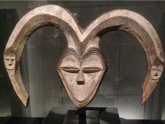 African Art, Lion Sculpture, Statue, Instagram, Sculptures, African Artwork, Sculpture