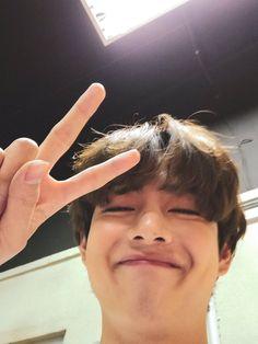 Daegu, K Pop, Foto Bts, Bts Photo, Bangtan Twitter, V Smile, Taehyung Selca, Taehyung Smile, Taehyung Gucci