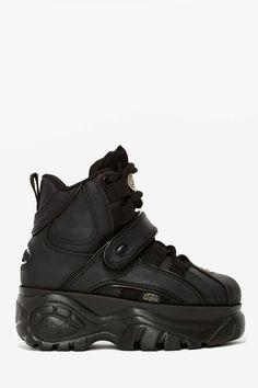 Method footwear due to the category Women, learn stylish Trainers. Platform Boots, Platform Sneakers, Black Platform, Buffalo Shoes, Nike Tights, Basket Noir, Nike Fashion, Fashion Outfits, How To Make Shoes