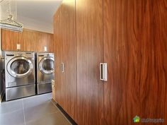 Maison à vendre Blainville, 50, rue des Prêles, immobilier Québec | DuProprio | 455874 Stacked Washer Dryer, Washer And Dryer, Rue, Beautiful World, Home Appliances, House Styles, Real Estate, House Appliances, Washing And Drying Machine