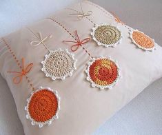 Marvelous Crochet A Shell Stitch Purse Bag Ideas. Wonderful Crochet A Shell Stitch Purse Bag Ideas. Crochet Cushions, Crochet Pillow, Crochet Shell Stitch, Filet Crochet, Crochet Home, Easy Crochet, Crochet Projects, Sewing Projects, Knitting Patterns