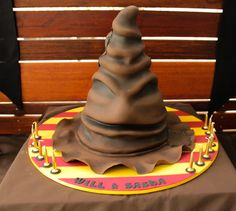 Harry Potter Themed Cakes That Are Definitely Full of Magic - Sorting Hat | Guff
