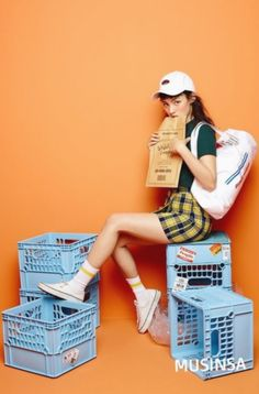 Fashion Teenage 2018 Summer Source by photography studio Fashion Poses, Fashion Shoot, Editorial Fashion, Fashion Editorials, Style Photoshoot, Photoshoot Concept, Creative Fashion Photography, Mode Masculine, Mode Vintage