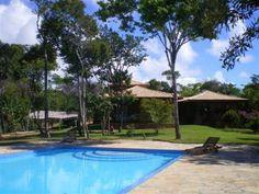 Lindo Sítio Com 11ha Próximo à Praia Do Forte - Lindo sítio localizado próximo à Praia do Forte, com casa confortável, piscina e linda área verde.