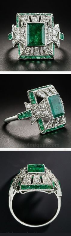 An Art Deco platinum emerald and diamond ring. Art Deco Ring, Art Deco Jewelry, Fine Jewelry, Jewelry Design, Jewelry Crafts, Antique Rings, Antique Jewelry, Vintage Jewelry, Fashion Rings