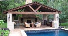 Beautiful outdoor covered patio area