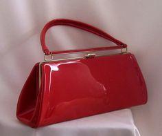 vintage red handbag love.