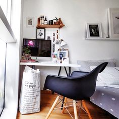 My little teeny tiny workspace as photographed for @lookbox_living magazine. Wong Weiliang @theworkspacestylist