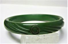 Green Carved Bakelite Bracelet/Bangle Vintage 1960s Leaf Green Tested Positive by letsreminisce on Etsy