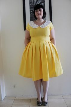Totally adorable fatshion blogger, totally adorable dress from eShakti!