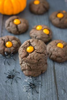 Dark Chocolate Cookies are Halloween party treat. Soft and loaded with bitter-sweet chocolate flavor, these cookies are not only fun but also healthy. Dark Chocolate Cookies, Chocolate Cookie Recipes, Chocolate Flavors, Halloween Party Treats, Healthy Halloween, Delicious Desserts, Dessert Recipes, Orange Candy, Cookie Calories