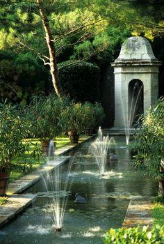The Virtual Builder Le Mas Du Gres Provence France Constructed - Modern Parks, Formal Garden Design, Garden Fountains, Water Fountains, Pool Fountain, Outdoor Fountains, Water Features In The Garden, Water Element, Garden Pool