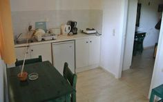 Die kleine Küche der Appartments im #Pyrgaraki #Restplatzbörse
