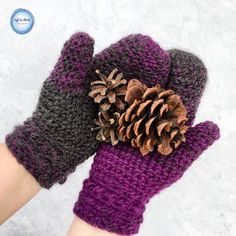 The Star Gazer's Mittens combine texture and warmth to give you a beautiful and functional pair of mittens for the coldest winter days.  They take less than one skein of Lion Brand Scarfie yarn and will be a perfect addition to your last-minute gift list this holiday season!  This is the second free
