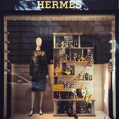WEBSTA @ ericaccia - ◾️HERMES◾️ #shopwindow #windowdisplay #visualmerchandising#vetrinediroma #shopwindowsinrome #shopwindowdesign #shopwindows #fashion #style #stylish #beautiful #instagood #instafashion #ss2017 #ss2017collection #dress #shoes #heels #outfit #purse #shopping #mannequin #ファッション #かわいい #コーデ #flatshoes #leatherjacket #leatherskirt #leatherdress